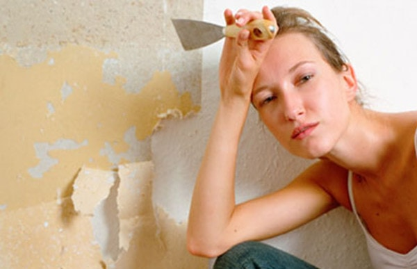 Removing wallpaper, wallpaper stripping and wallpaper removal