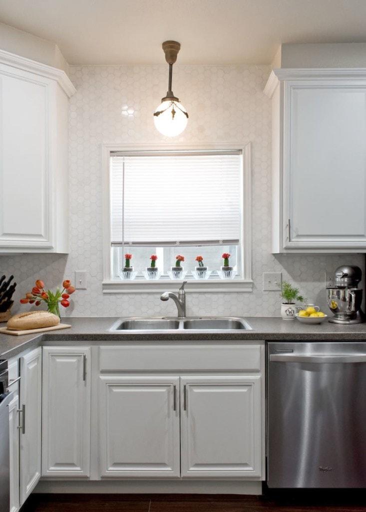 White lacquered cabinet refinish, Paper Moon Painting, San Antonio, Monte Vista, Olmos Park