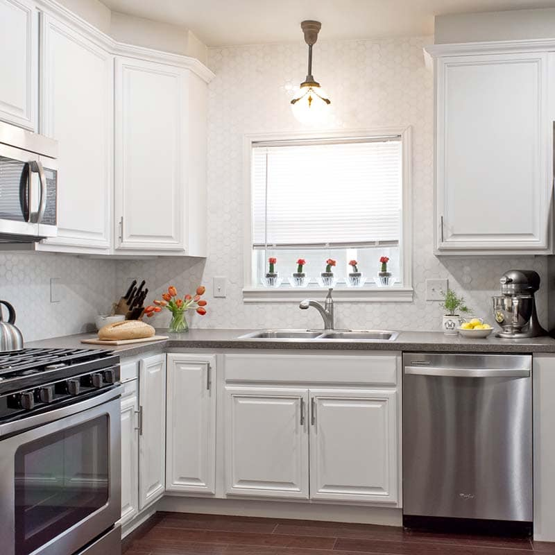 Benjamin Moore Antique White Kitchen Cabinets: Dramatic Before And After Photos