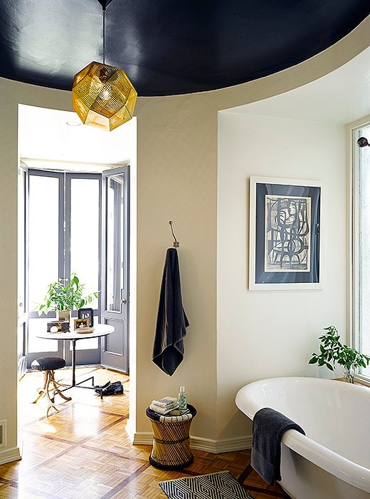 Black painted accent ceiling by Nate Berkus, Paper Moon Painting blog